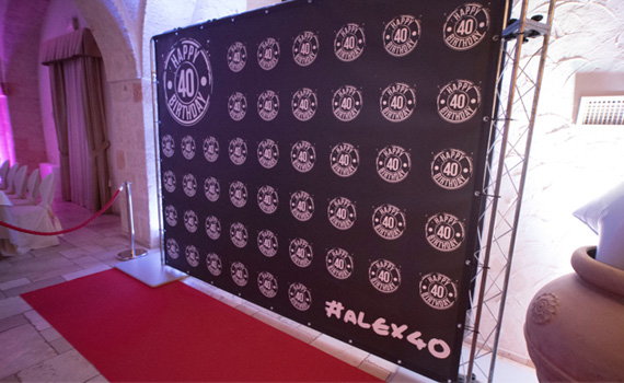 Photo booth con wall e red carpet